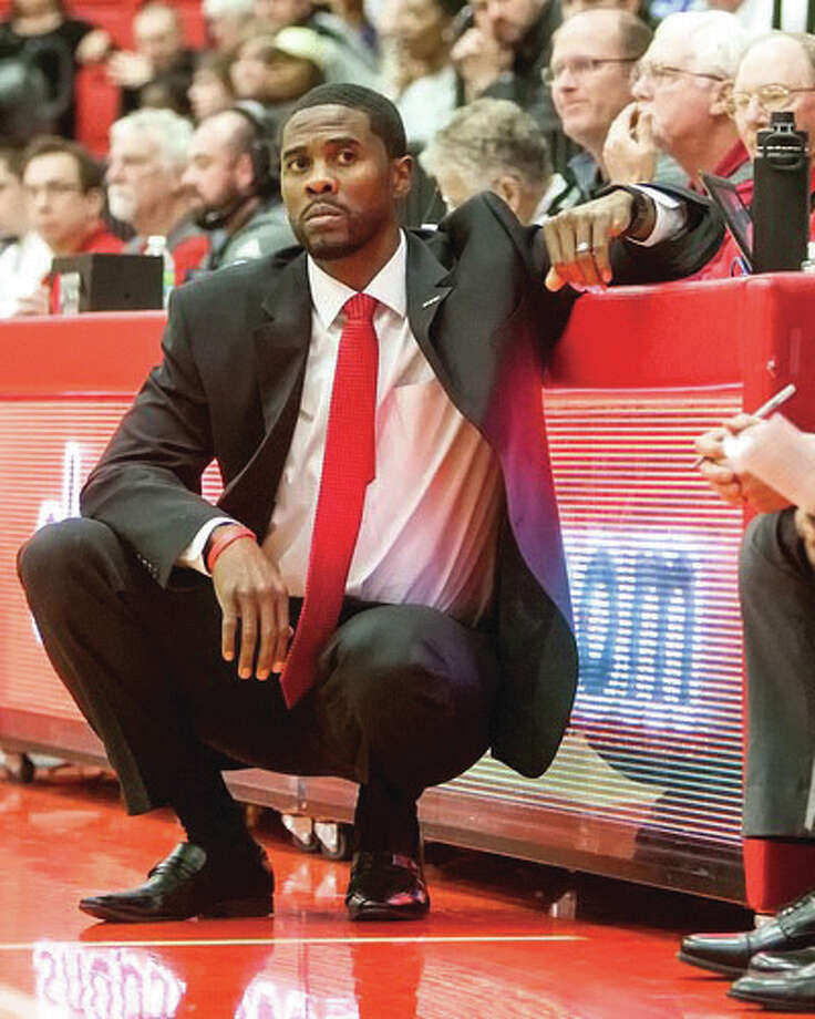 SIUE coach Jon Harris saw his Cougars drop their first-round game in the Ohio Valley Conference Tournament to Tennessee Tech Wednesday night in Evansville, Ind. Photo: SIUE Athletics