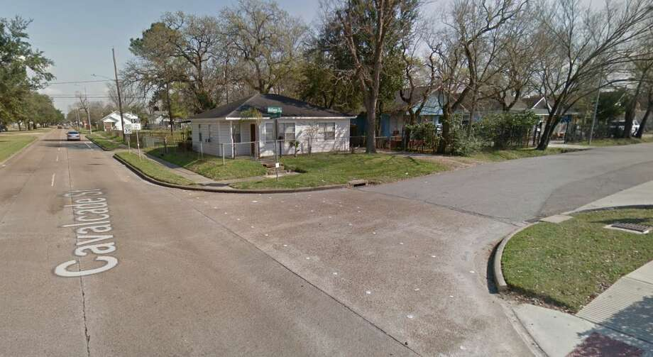 A resident in the 4300 block of McEwen Street, which is near the intersection of Cavalcade Street and Fulton Street, heard several gunshots around 10:20 p.m., according to the Houston Police Department. The resident went outside to see what happened and found the person dead in the alley behind the street, police said. Photo: Google Maps