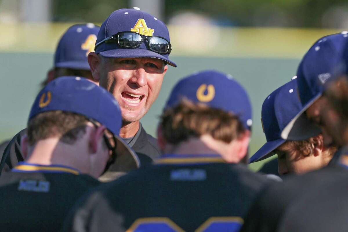 Alamo Heights coach Jason Thompson talks to the Mules before the stat of their District 26-5A high school baseball game with Boerne Champion at Alamo Heights on Friday, April 21, 2017. MARVIN PFEIFFER/ mpfeiffer@express-news.net