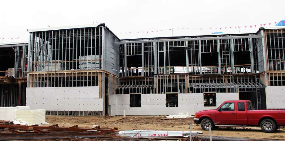 Falcon Ridge Elementary is scheduled to begin operations this fall. Photo: Kaila Contreras