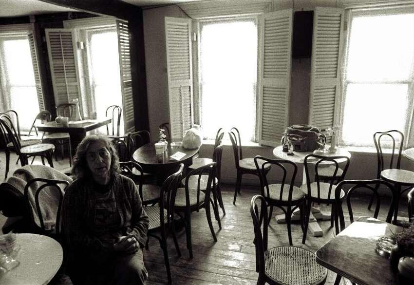 Lena Spencer at the Caffe, 1989. (Courtesy of Joseph Deuel)