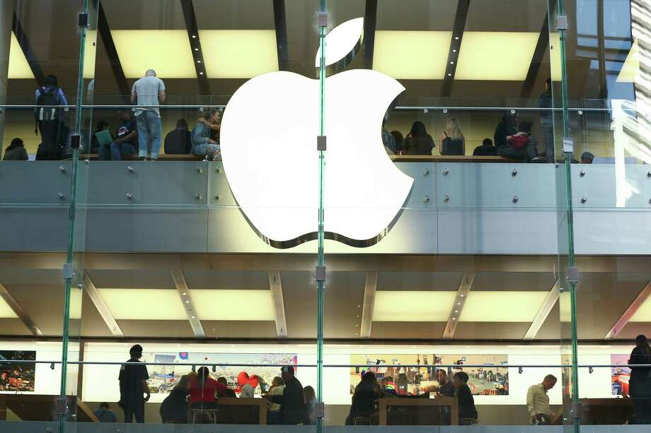 Apple Will Be The First Trillion Dollar Company The Middletown Press