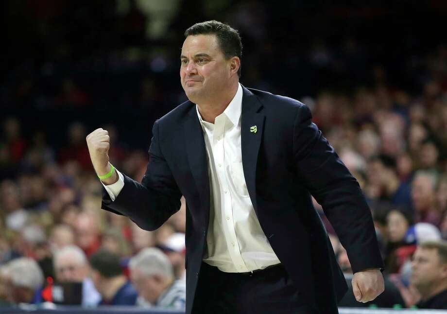 FILE - In this Saturday, Jan. 27, 2018 file photo, Arizona head coach Sean Miller in the first half during an NCAA college basketball game against Utah in Tucson, Ariz. The Arizona Board of Regents has scheduled a special meeting on Thursday, March 1, 2018jan. 27, 2018 file photo to get legal advice and discuss the men's basketball program at the University of Arizona and the contract of coach Sean Miller.(AP Photo/Rick Scuteri, File) Photo: Rick Scuteri, FRE / FR157181 AP