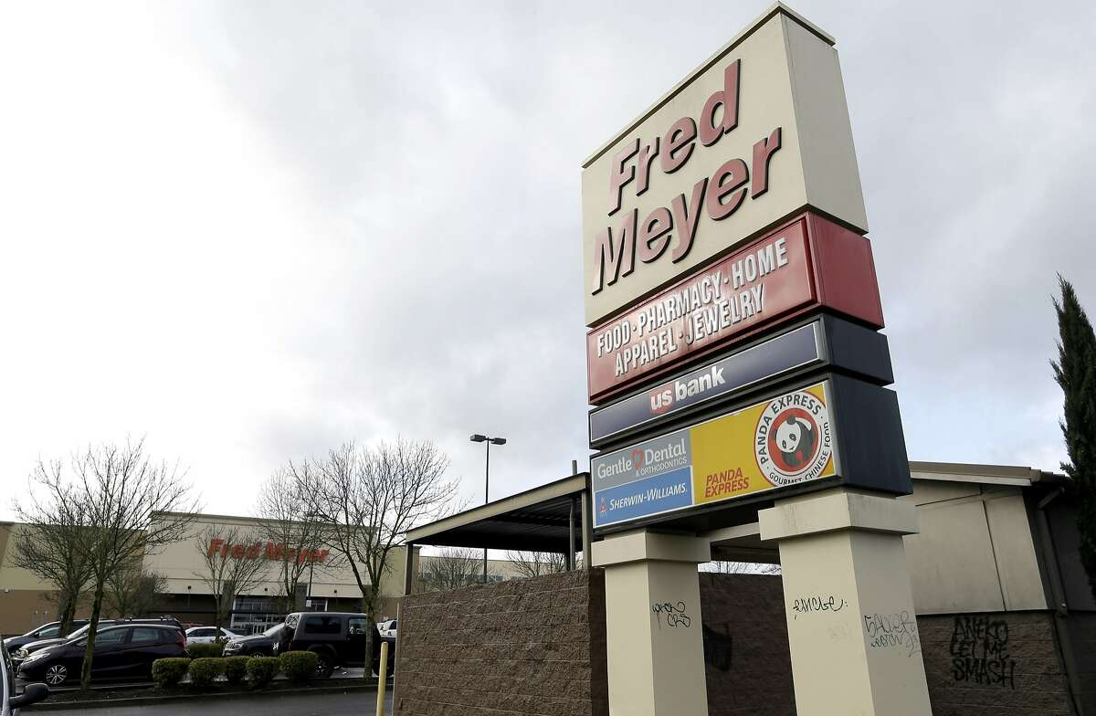 QFC, Fred Meyer to help administer COVID-19 vaccine in Washington QFC and Fred Meyer plan to help administer the COVID-19 vaccine in Washington, the company announced Monday. The announcement comes as the state received its first shipment of the Pfizer vaccine and is preparing to start rolling it out to high-risk groups.