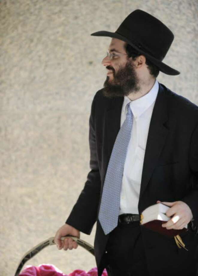 Rabbi  Yaakov  Weiss at Albany City Court on Oct. 7, 2008 as he awaited his appearance to answer charges on alleged sex abuse charges stemming from alleged incidents involving a 13-year-old boy. (File photo)