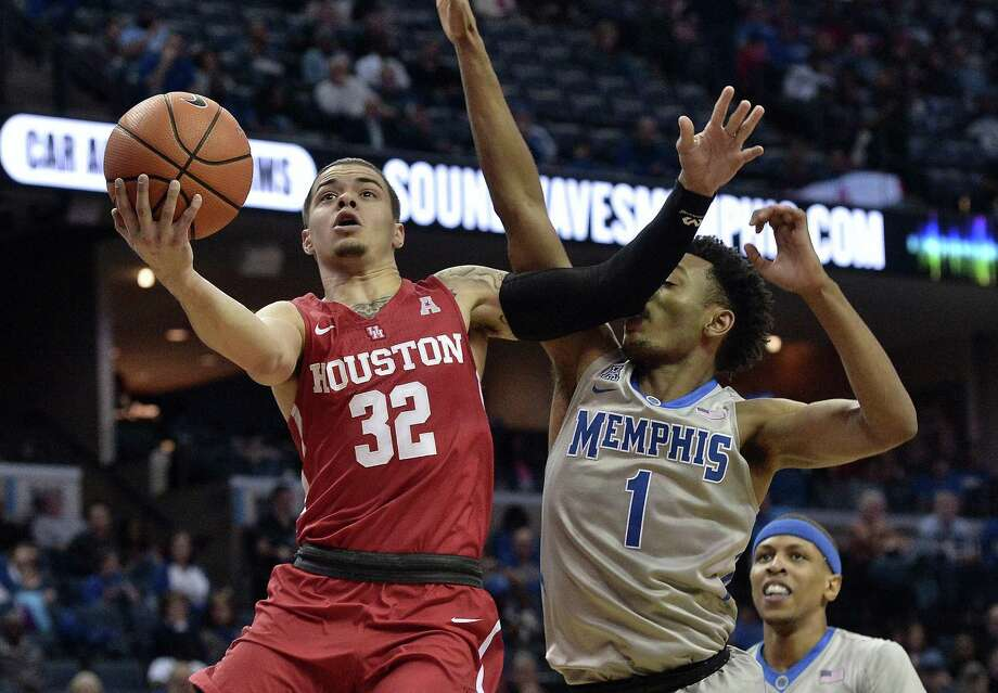 Rob Gray and Houston will host UConn on Sunday. Photo: Associated Press File Photo / FR171250 AP
