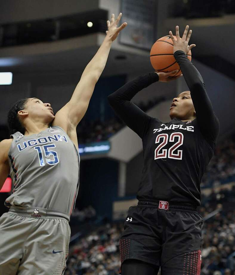 Tanaya Atkinson , right, is the new owner of Temple's single-season scoring record. Photo: Associated Press File Photo / AP2018