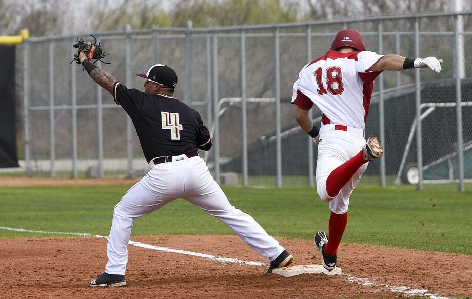 The Dustdevils allowed five in the final inning in a 7-3 defeat at Arlington Baptist Saturday before rebounding with a 5-3 victory in the second outing. TAMIU first baseman Ricky Gonzalez hit a three-run homer in Game 1 and had a sacrifice fly in Game 2. Photo: Danny Zaragoza /Laredo Morning Times File / Laredo Morning Times