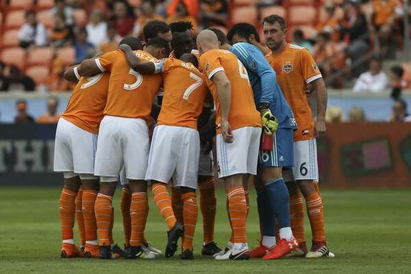 Houston Dynamo starting lineup huddle before the first half of the MLS game against the Atlanta United at BBVA Compass Stadium on Saturday, March 3, 2018, in Houston. ( Yi-Chin Lee / Houston Chronicle )