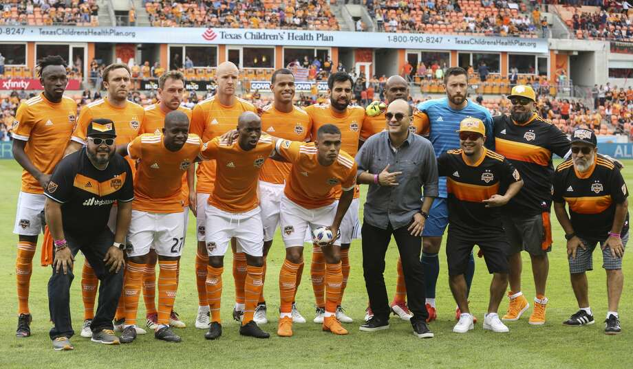 Houston Dynamo starting lineup pose for a photo before the MLS game against the Atlanta United at BBVA Compass Stadium on Saturday, March 3, 2018, in Houston. ( Yi-Chin Lee / Houston Chronicle ) Photo: Yi-Chin Lee/Houston Chronicle