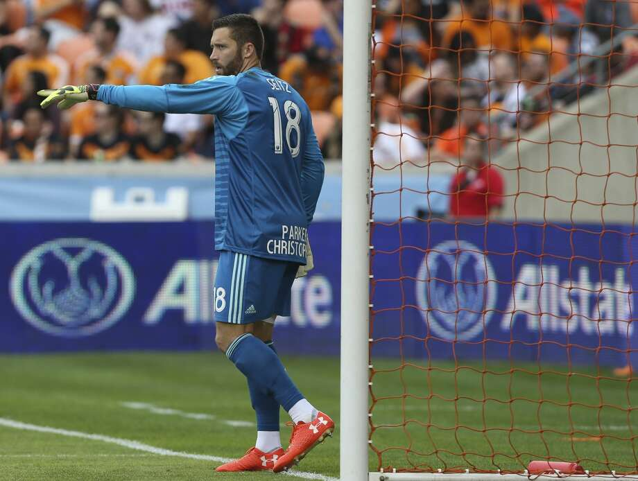 Houston Dynamo goalkeeper Chris Seitz (18) directs his teammates during the first half of the MLS game against the Atlanta United at BBVA Compass Stadium on Saturday, March 3, 2018, in Houston. ( Yi-Chin Lee / Houston Chronicle ) Photo: Yi-Chin Lee/Houston Chronicle