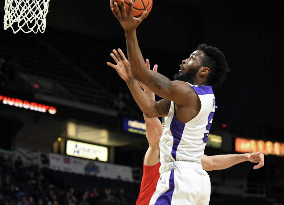 James Towns of Niagara University goes up for two against  Fairfield University in the second half during MAAC championship basketball quarterfinals on Saturday, March 3, 2018, at the Times Union Center in Albany, N.Y. (Will Waldron/Times Union) Photo: Will Waldron / 20043100A