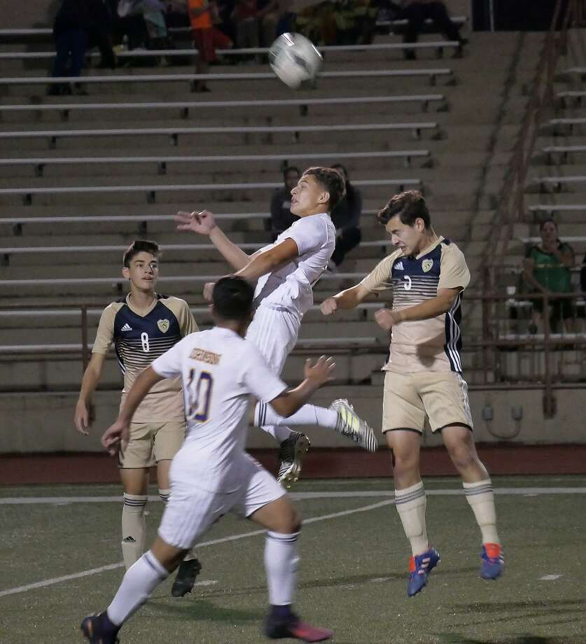Alexander and LBJ both closed out Week 2 with a win Saturday. The Bulldogs improved to 10-1-0 with a 4-2 victory over Jefferson, and the Wolves moved to 9-1-0 by edging Robert Vela on penalty kicks. Photo: Cuate Santos /Laredo Morning Times File / Laredo Morning Times
