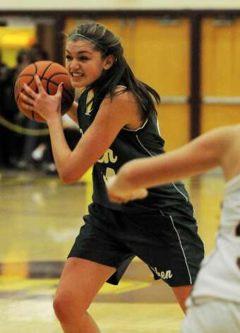 Shenendehowa's Allie Setter drives to the basket. (Luanne M. Ferris/Times Union) Photo: LMF