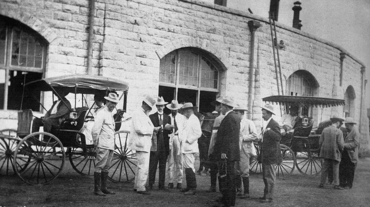 1910: The Mexican general Venustiano Carranza receiving the report on the taking of Matamoros.