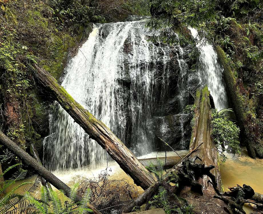 A 35-foot waterfall --with no name -- hidden in Russian Gulch State Park on the Mendocino coast is a prize find Photo: Tom Stienstra, Denese Stienstra / Special To The Chronicle