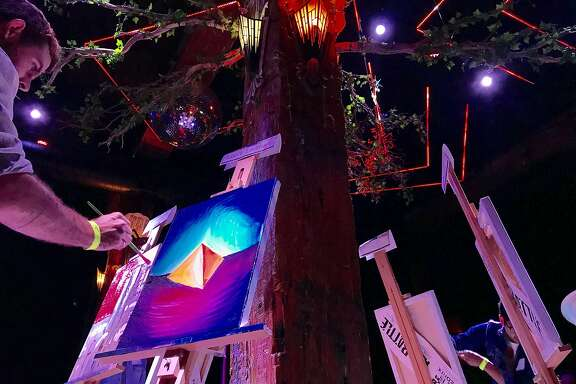 Contestants take part in Art Battle at�the Great Northern nightclub in San Francisco.
