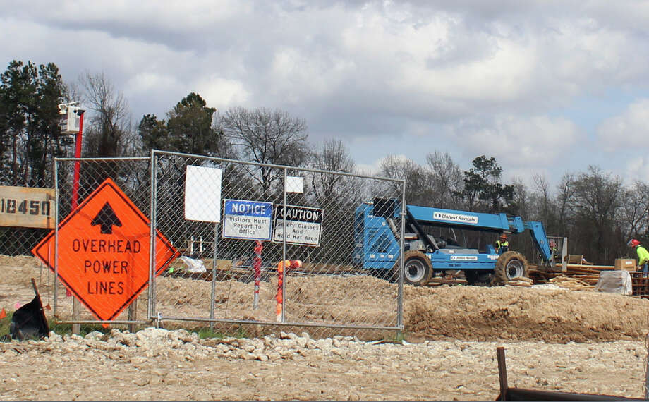 Construction proceeds on a new development on U.S. Highway 59 north of Will Clayton Parkway. The city of Humble's new ordinance passed during the February city council meeting outlines exterior construction standards for all new buildings.  Construction proceeds on a new development on U.S. Highway 59 north of Will Clayton Parkway. The city of Humble's new ordinance passed during the February city council meeting outlines exterior construction standards for all new buildings. Photo: Melanie Feuk
