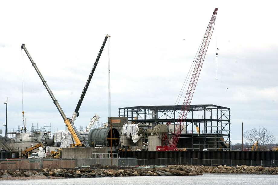 Construction continues on a new natural gas-fired power plant at PSEG's Bridgeport Harbor Station, in Bridgeport, Conn. March 5, 2018. Photo: Ned Gerard / Hearst Connecticut Media / Connecticut Post