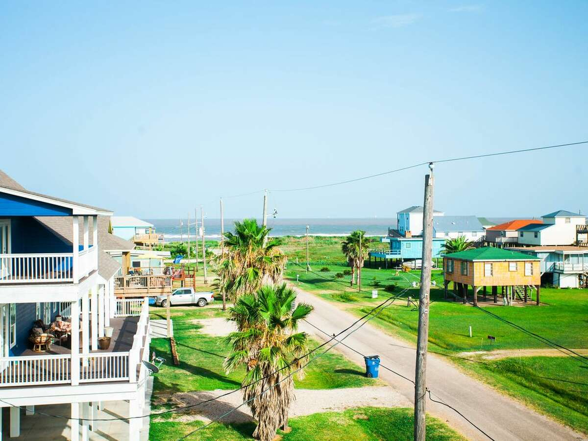 Surfside Beach  Top things to do, according to Tripadvisor:Wild Water & Wheels,Myrtle Beach State Park Average nightly cost of 3-star hotel:$124 Population:561