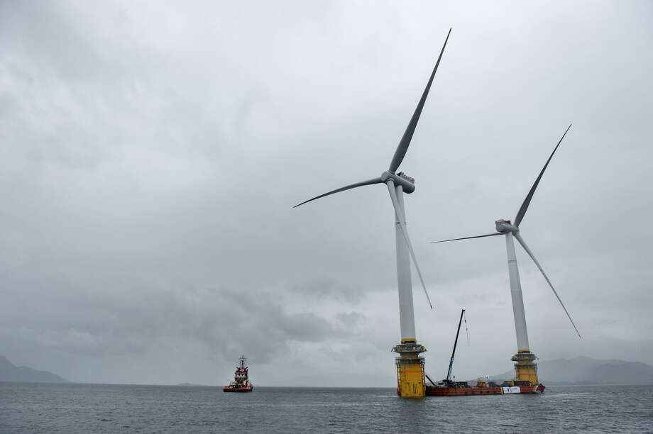 The world's first floating wind farm in the North Sea.  CONTINUE to see photos of offshore wind farms.  Photo: Bloomberg / Bloomberg / © 2017 Bloomberg Finance LP