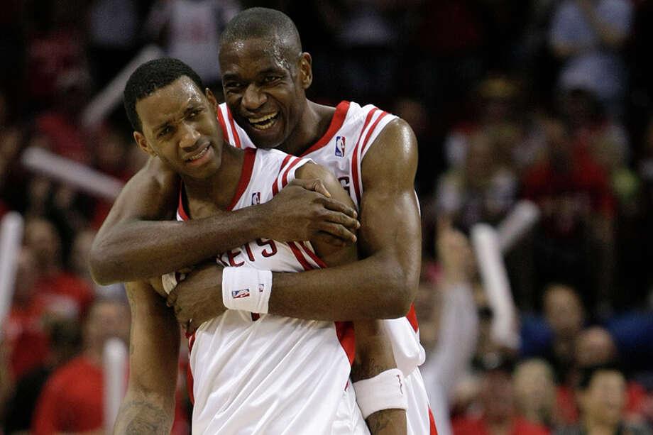 Tracy McGrady (left) and Dikembe Mutombo were part of the Rocekts' franchise-record 22-game winning streak in 2007-08. Photo: Brett Coomer/Houston Chronicle