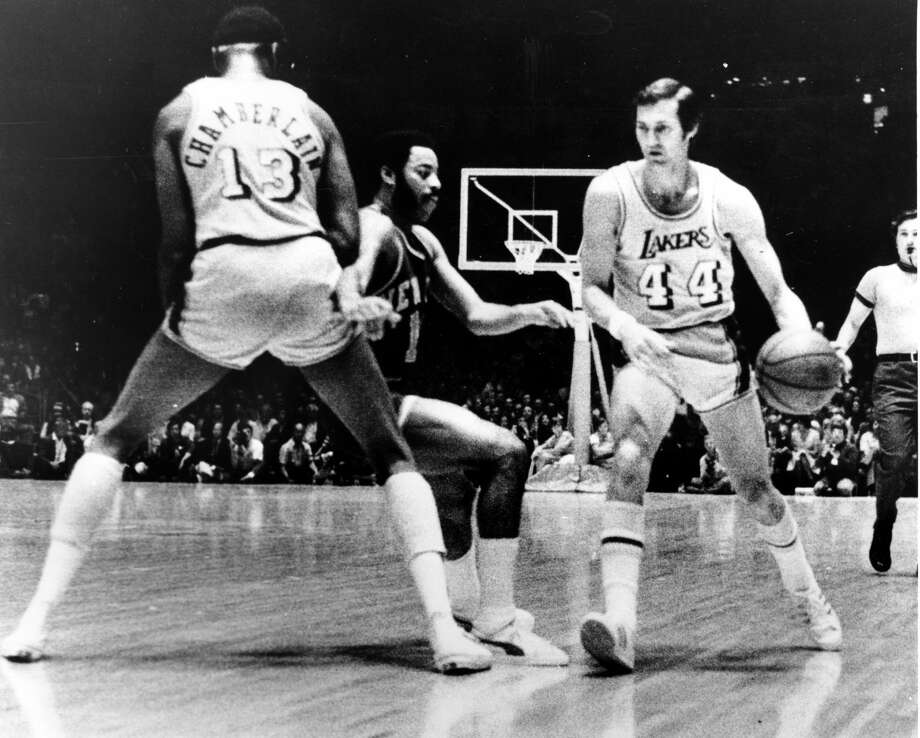 The 1971-72 Lakers of Jerry West (44) and Wilt Chamberlain remain the gold standard when it comes to NBA winning streaks. Photo: AP
