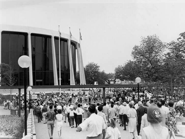 JOHN H. WOOD FEDERAL COURTHOUSE: Crowds surround the United States Pavillion during the 1968 HemisFair Worlds Fair. (1968)  Source: UTSA Libraries Special Collections