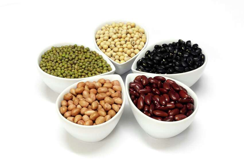 Beans and birth control pills: The pill can lower the body's levels of B6 and folic acid, so eat more foods rich in these vitamins, including beans, legumes, nuts, seeds and seafood for vitamin B6. For folate, eat more broccoli, spinach, avocado, lentils, chickpeas, and asparagus. Also consider taking a daily B-complex vitamin pill. Regular multivitamins may not have sufficient levels of B vitamins.