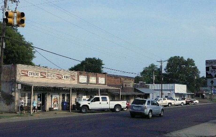 There's a push nationally to wire rural areas for high speed internet as a way of improving life and allowing the towns to compete for global commerce — in towns such as Chireno, an East Texas town that's off the grid. But the effort could be hampered by current net neutrality legislation. Photo: /Roy Bragg