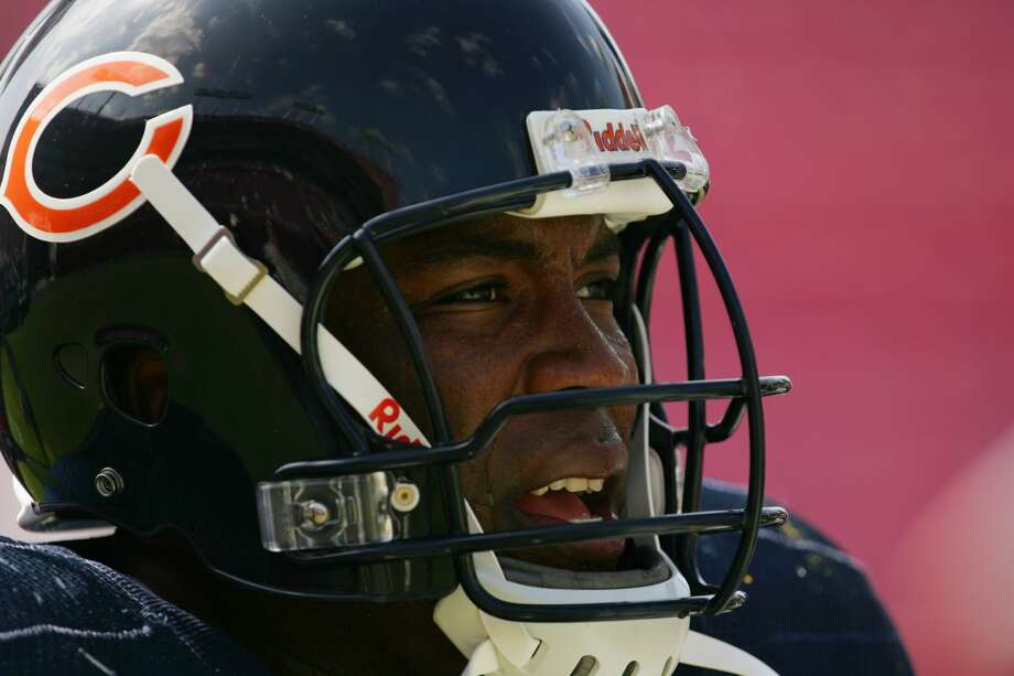 Mike Gandy started 106 of his 108 career games for the Bears, Bills and Cardinals. Photo: Jamie Squire/Getty Images