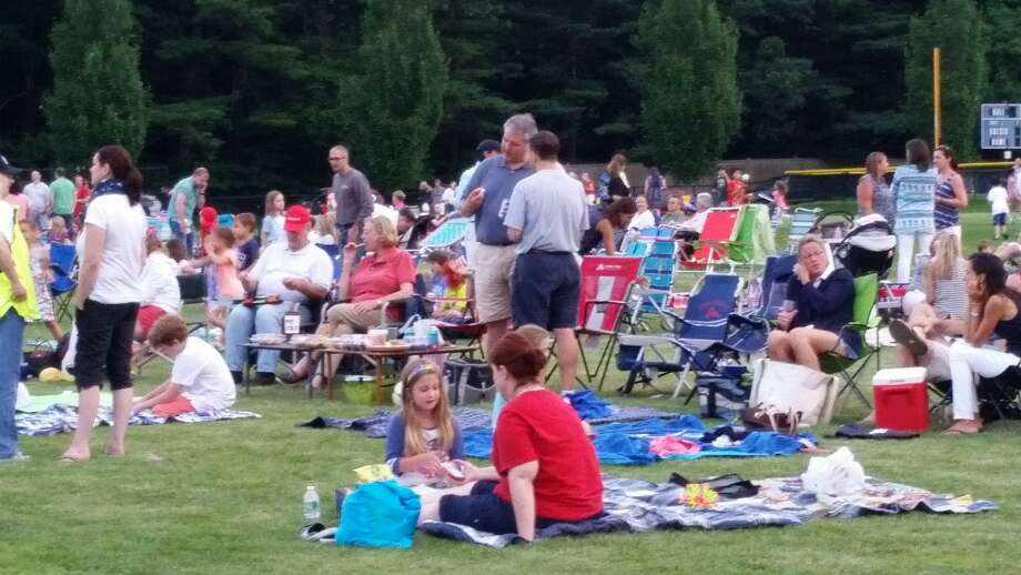 Several thousand spectators turned out for the Darien Fireworks Show at Darien High School in 2015. Photo: Hearst Connecticut Media File Photo
