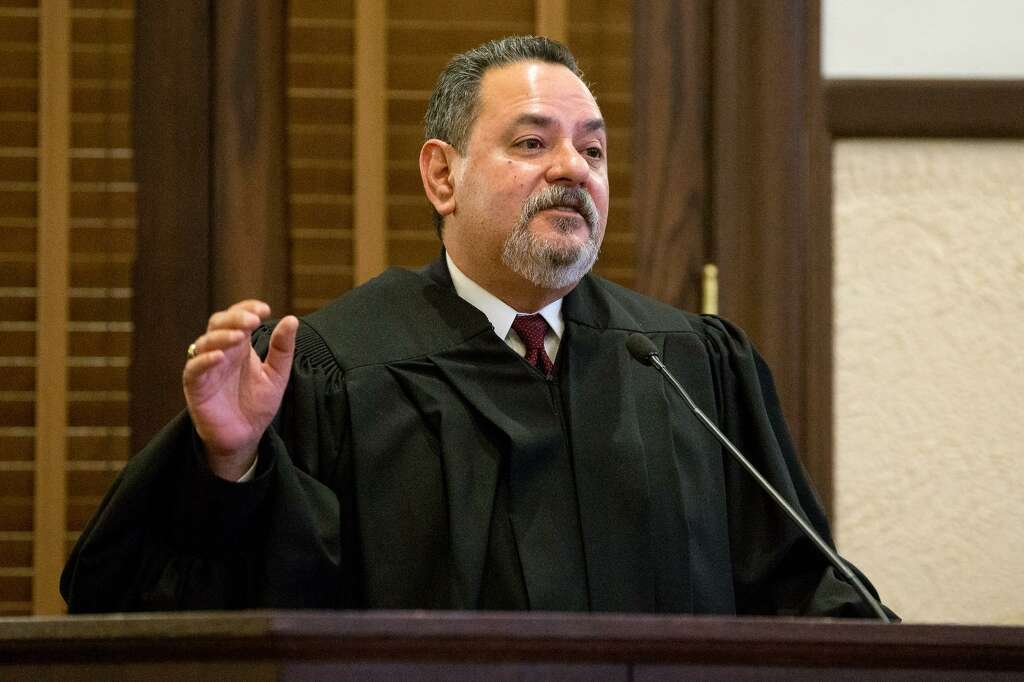 187th state District Court Judge Joey Contreras heads to a runoff. Photo: Marvin Pfeiffer /San Antonio Express-News / Express-News 2017