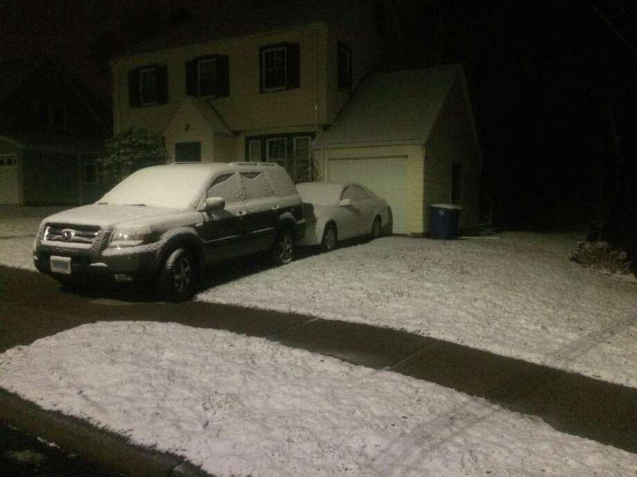 Light snow in New Haven's Westville neighborhood Photo: William Kaempffer / Hearst Connecticut Media