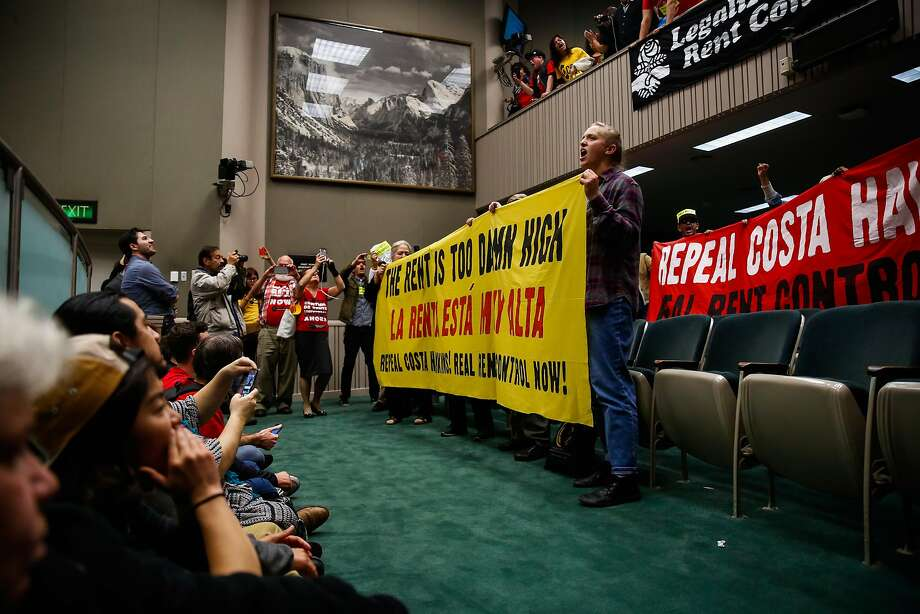 Renters protest at the State Capital in Sacramento, Calif., on Thursday, Jan. 11, 2018. A new study shows California subsidizes homeowners by $929 per year and renters by just $71 per year. Photo: Gabrielle Lurie, The Chronicle