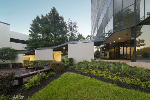 SkyWalker Property Partners, acting on behalf of When Opportunity Knocks LLC, has purchased the 141,480-square-foot One Northwind Plaza at 7600 W. Tidwell Road, from Aegon Asset Management. Clint Holland of SkyWalker Property Partners represented the buyer. Rudy Hubbard of JLL represented the seller. SkyWalker Property Partners is based in Arlington, Texas.