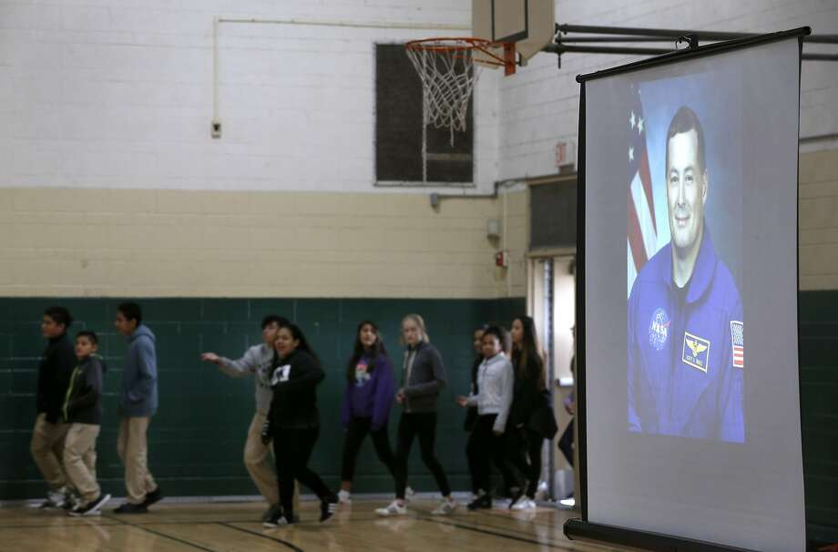 An 11-minute shortwave radio conversation with astronaut Scott Tingle — orbiting the earth aboard the International Space Station — was the biggest thing to hit Parkside Intermediate School in some time.  Photo: Paul Chinn, The Chronicle