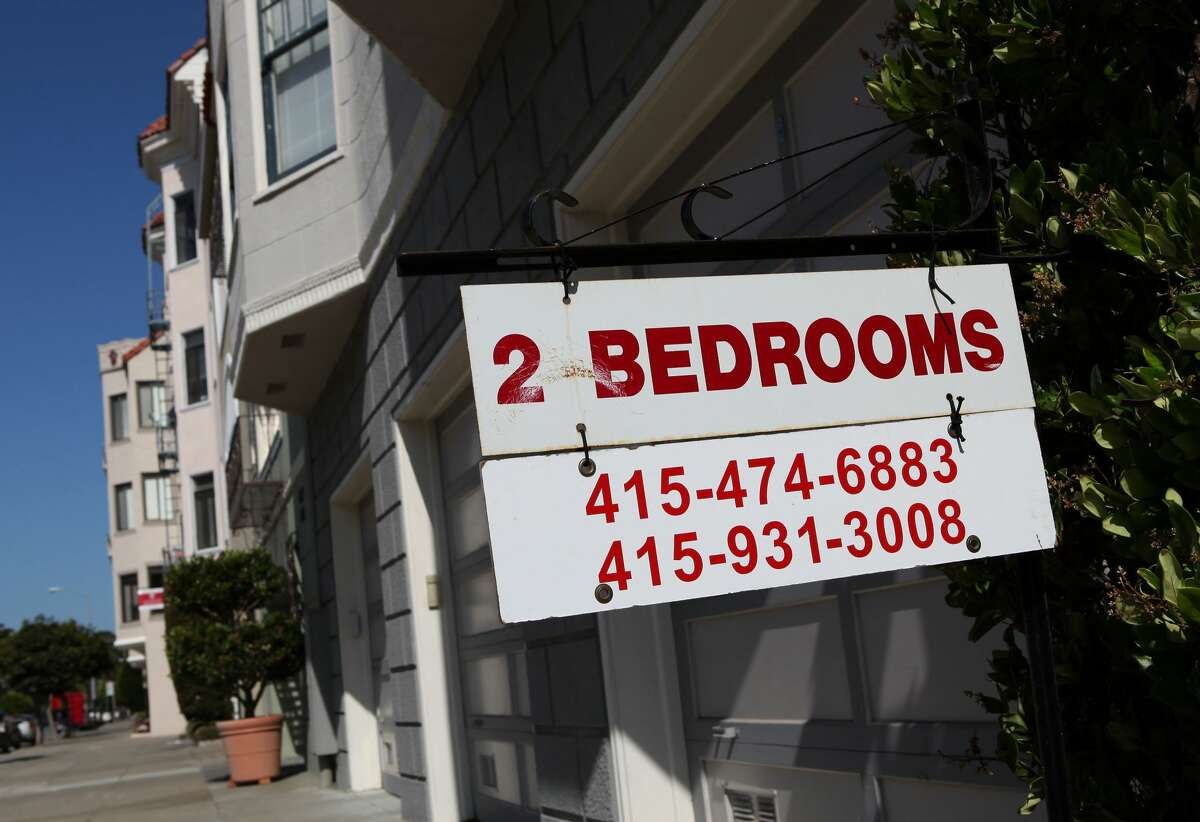 A sign advertising an apartment for rent in San Francisco.