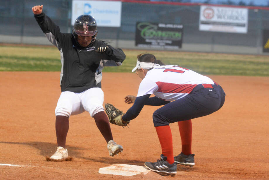 Plainview third baseman Makayla Vasquez tags out a Hereford runner before she can step on the bag for the second out of the second inning of a District 3-5A game at Lady Bulldog Park Tuesday night. Photo: Skip Leon/Plainview Herald