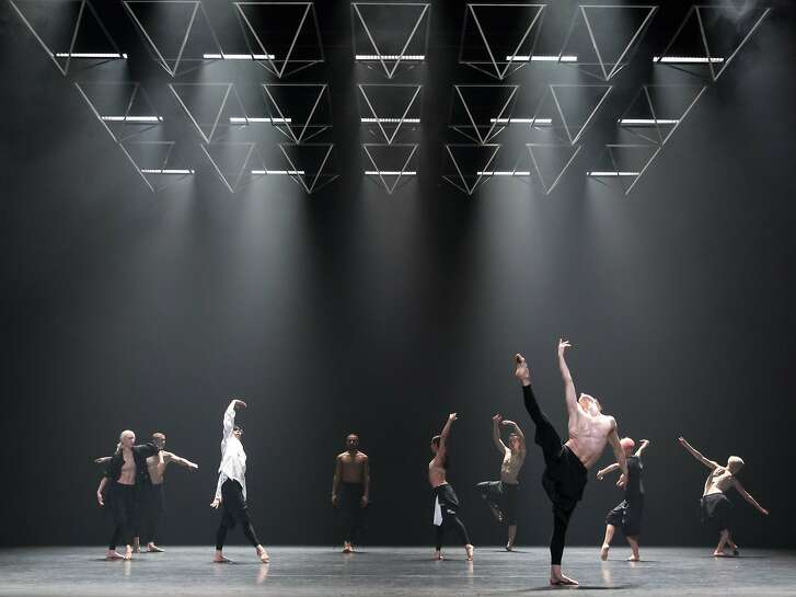 """Company Wayne McGregor performs the West Coast premiere of """"Autobiography"""" based on choreographer Wayne McGregor's own genome, March 8-10 at YBCA Theater, presented by San Francisco Performances. Photo: Andres Uspenski Dancers: The company"""