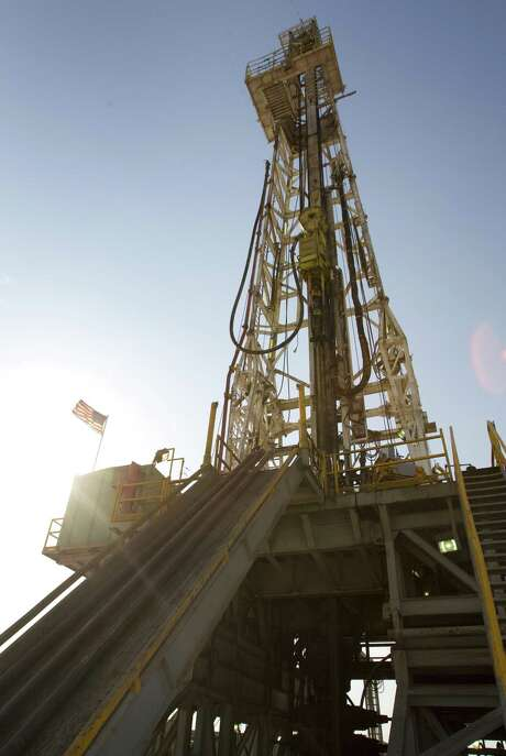 An oil rig running on Anadarko's Raybank Well near the west Texas town of Mentone, about 90 miles west of Midland. Photo: Brett Coomer, Staff / Houston Chronicle / © 2011 Houston Chronicle