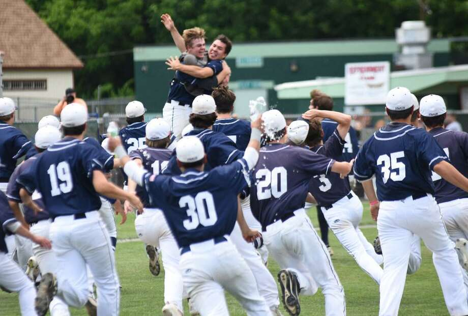 As the spring season inches closer, Staples baseball looks to repeat as state champions in 2018. Photo: John Nash / Hearst Connecticut Media