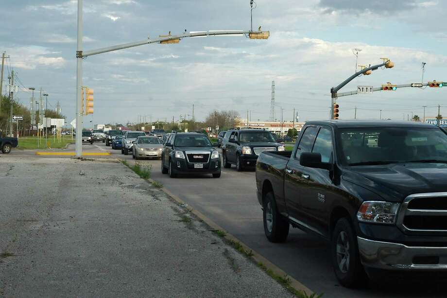 Fairmont Parkway at Beltway 8 is one of the worst local intersections for traffic backups, residents say. Photo: Kirk Sides / © 2018 Kirk Sides / Houston Chronicle