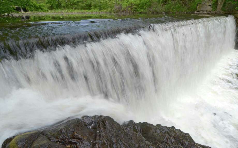 The Flock Process Dam on the Norwalk River. Photo: Erik Trautmann / Hearst Connecticut Media / Norwalk Hour