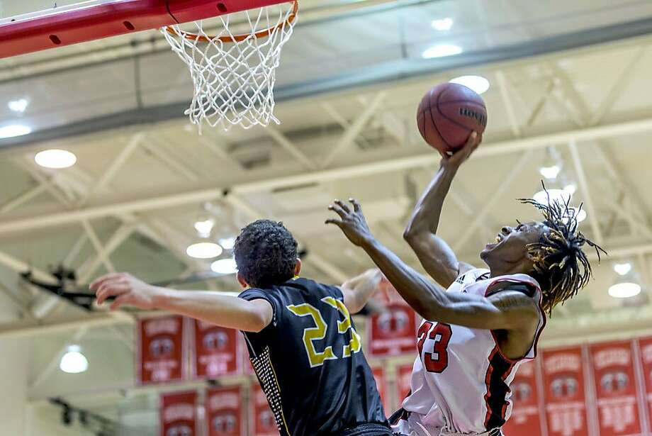 Terrell Brown, from Oakland and Moreau Catholic-Hayward, leads CCSF with 15.9 points per game. The Rams take a 26-game winning streak into Friday's state championship quarterfinals in Ventura. Photo: Eric Sun/CCSF Athletics