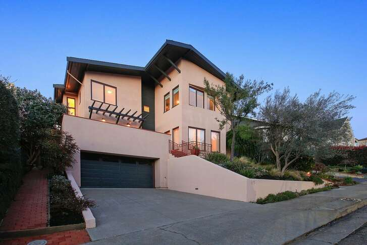 526 Mountain Blvd. in Montclair is a four-bedroom, three-bathroom built by architect Morgan Smith in 1994.