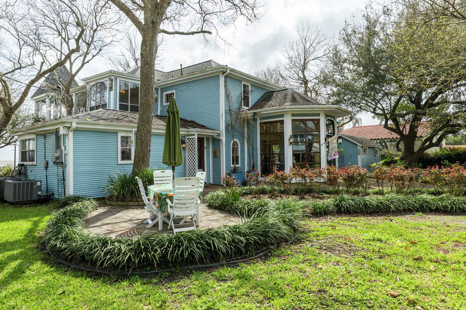 >> See photos of the historic McElvogue-Kennedy home in Galveston. Photo: KIMBERY MILLER, Walls Could Talk