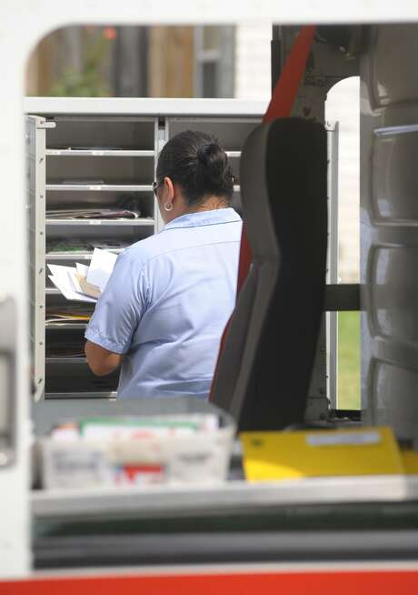 The U.S. Postal Service said its decision to relocate the Alamo Heights Post Office is final. A new site has not yet been determined. Photo: Express-News File Photo