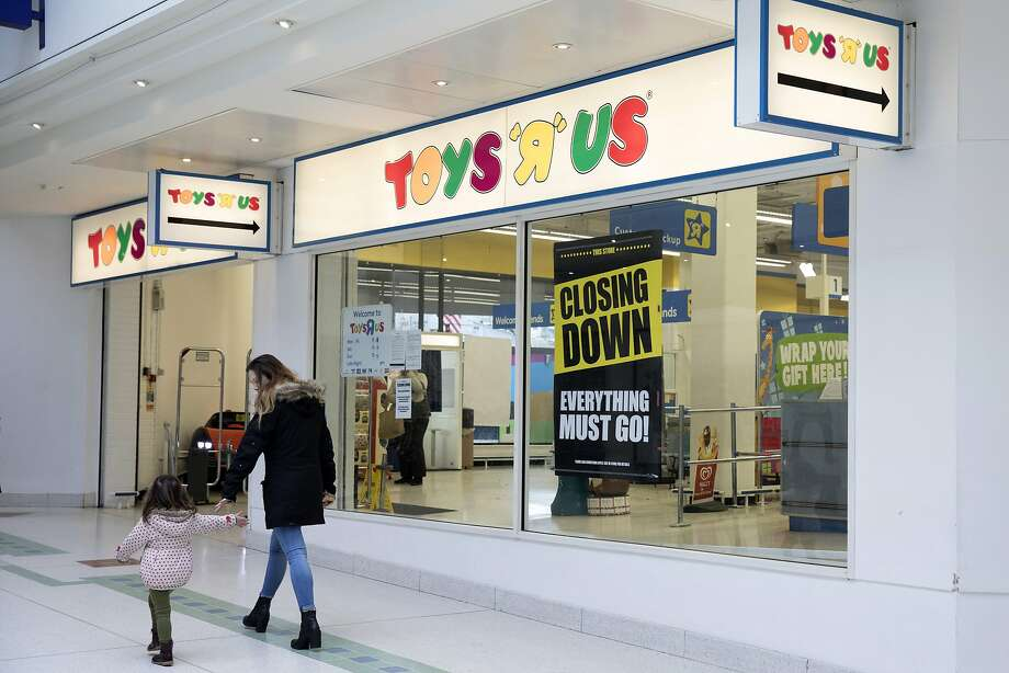 "It is widely reported that Toys ""R"" Us Inc. may close down all of its retail stores. Photo: Jason Alden, Bloomberg"
