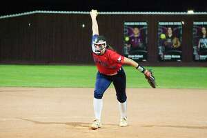 Dawson's Courtney Day (17) pitches against Pearland Friday, Mar. 9.